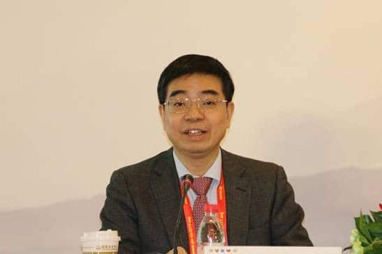 Professor Wu Shulin speaks at the press conference